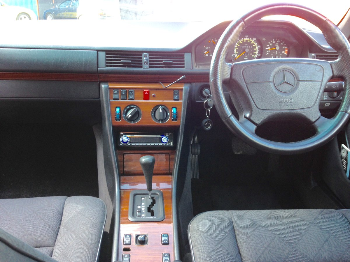 1994 MERCEDES BENZ 220TE ESTATE AUTOMATIC W124 For Sale (picture 6 of 6)