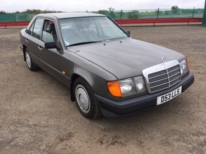 Picture of 1987 Mercedes 230 E Auto at Morris Leslie Auction 17th August SOLD by Auction