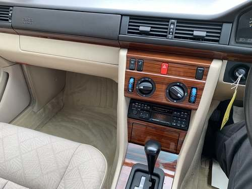 1994 Mercedes E280 Auto at Morris Leslie Auction 17th August SOLD by Auction (picture 5 of 6)