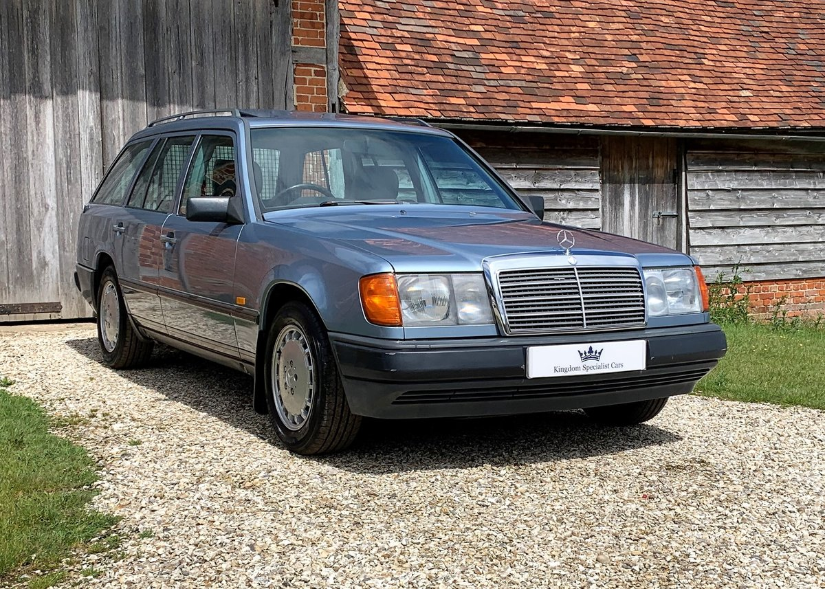 1986 Mercedes W124 230TE - Restored SOLD (picture 1 of 6)