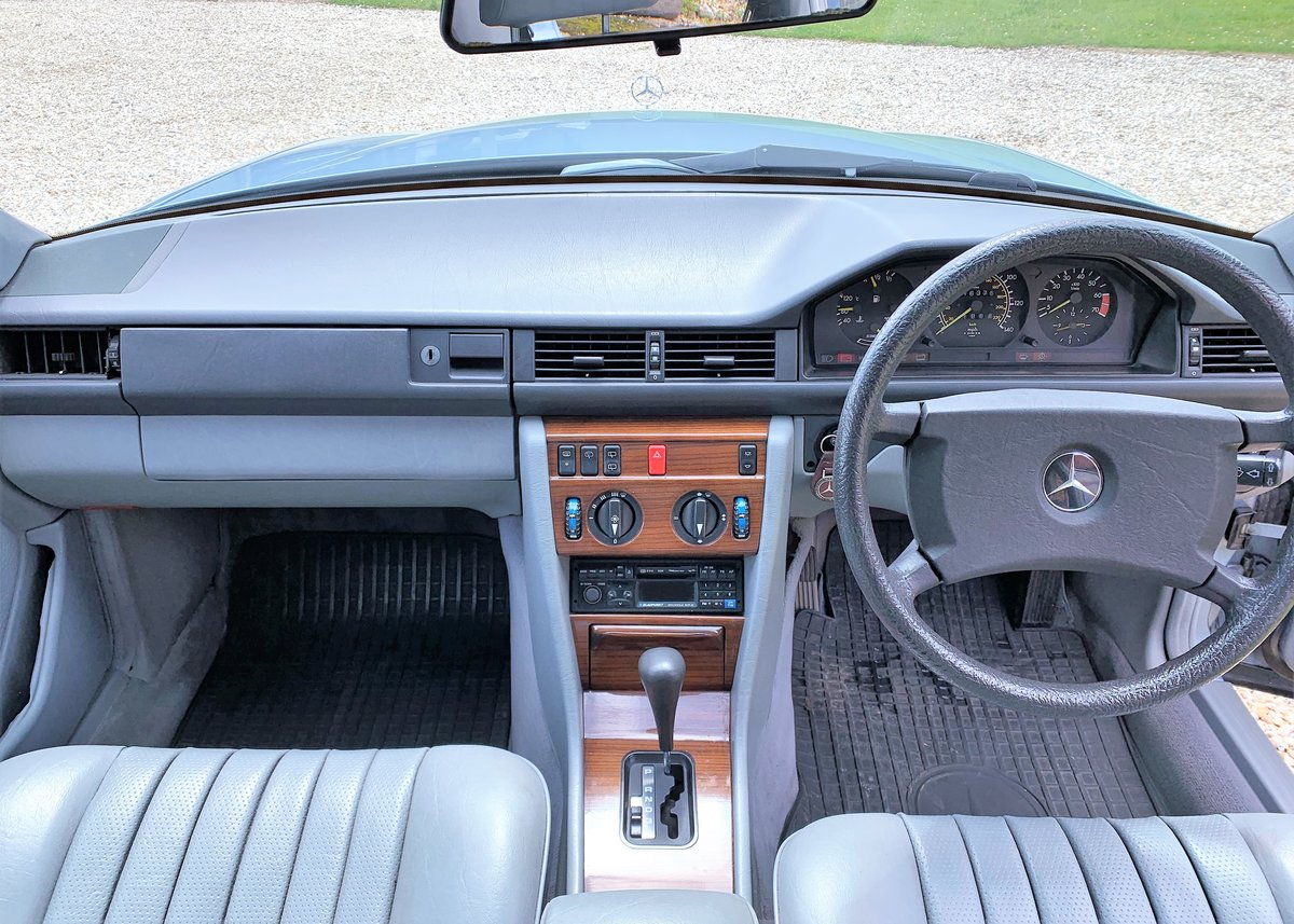 1986 Mercedes W124 230TE - Restored SOLD (picture 3 of 6)
