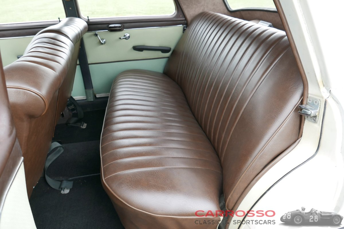 1960 Mercedes Benz 180 Ponton W120 Saloon in original condition! For Sale (picture 4 of 6)