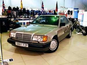 1989 One owner Mercedes 300se