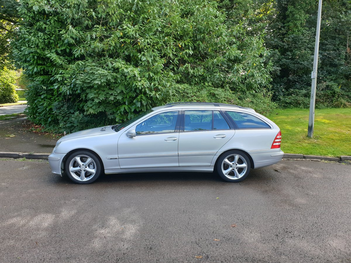 2006 Mercedes C220 CDi Estate. Avantgarde SE Sport Spec. Bargain. SOLD (picture 2 of 6)