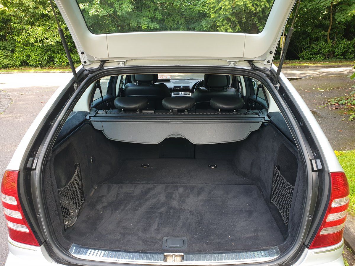 2006 Mercedes C220 CDi Estate. Avantgarde SE Sport Spec. Bargain. SOLD (picture 5 of 6)