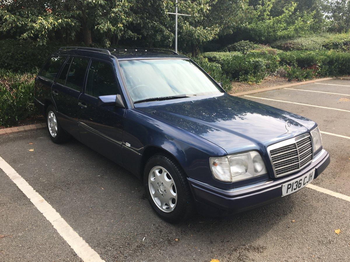 1996 Mercedes E200T Estate SOLD (picture 2 of 6)