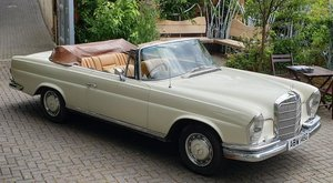 1969 MERCEDES-BENZ 280 SE CONVERTIBLE For Sale by Auction