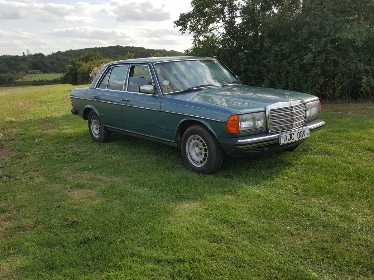 1985 Mercedes W123 200 Automatic  For Sale (picture 1 of 6)