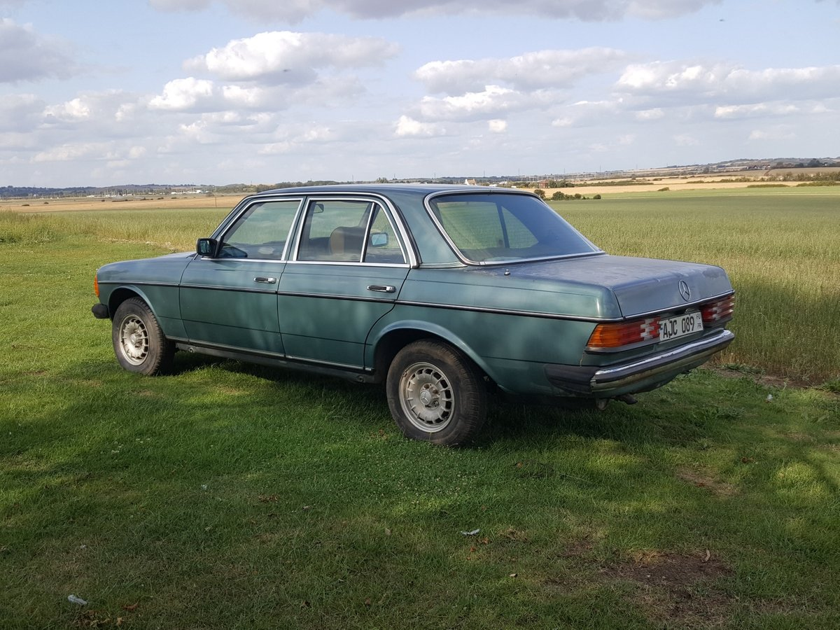 1985 Mercedes W123 200 Automatic  For Sale (picture 2 of 6)