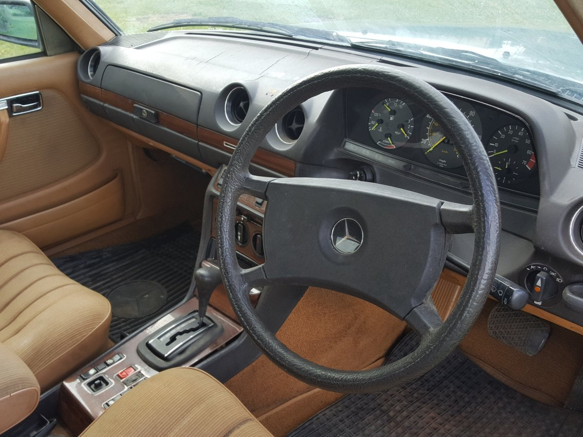1985 Mercedes W123 200 Automatic  For Sale (picture 3 of 6)