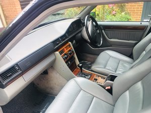 1995 Mercedes E280 LEATHER AIR CON 98000MILES