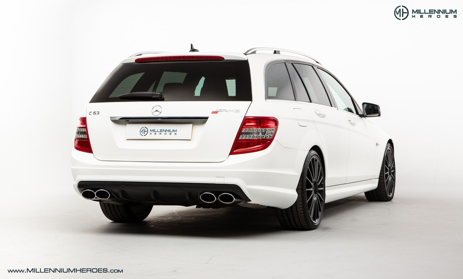 2010 MERCEDES C63 DR520 // EXCLUSIVE GB SPECIAL EDITION / 1 OF 20 For Sale (picture 3 of 6)