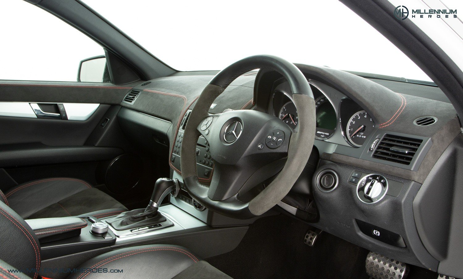 2010 MERCEDES C63 DR520 // EXCLUSIVE GB SPECIAL EDITION / 1 OF 20 For Sale (picture 4 of 6)