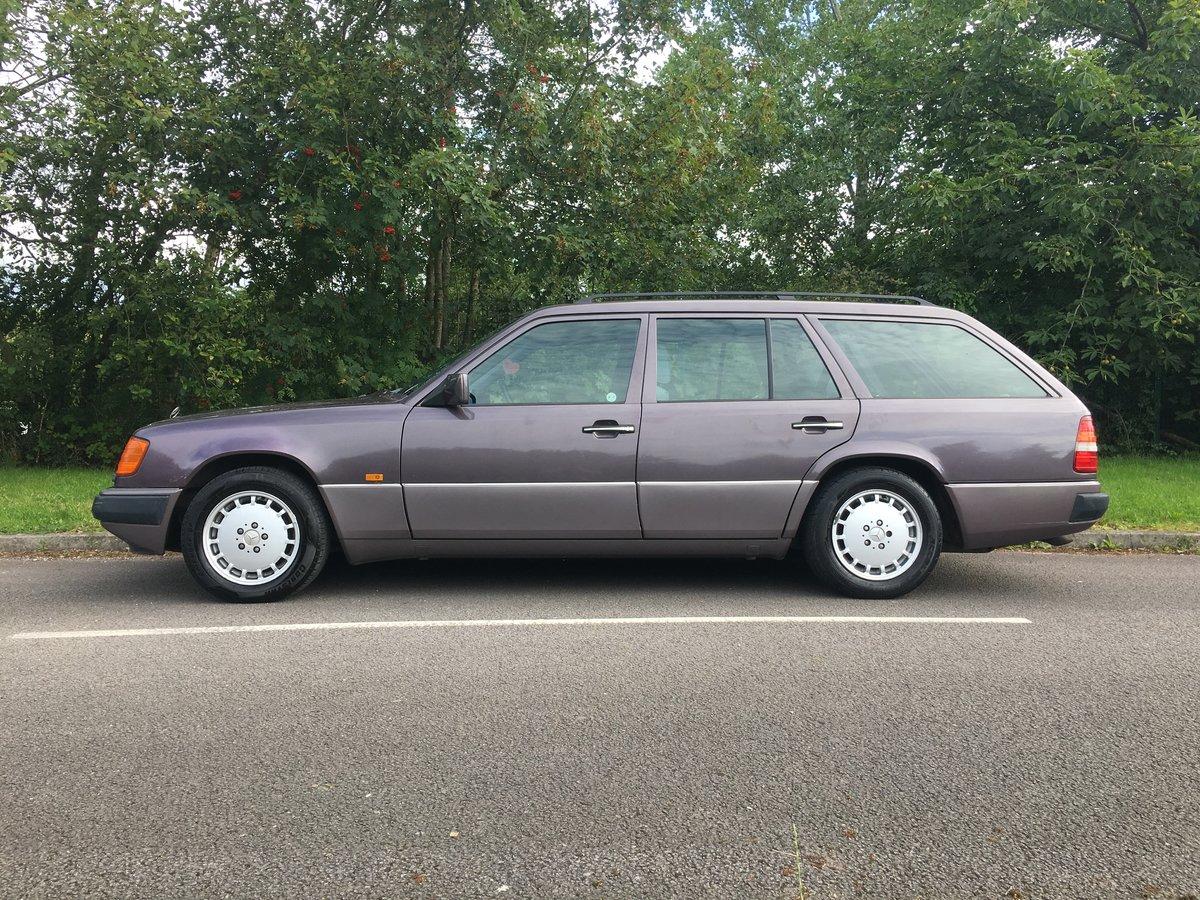 1993 Mercedes 280TE W124  – Rare car appreciating For Sale (picture 2 of 6)