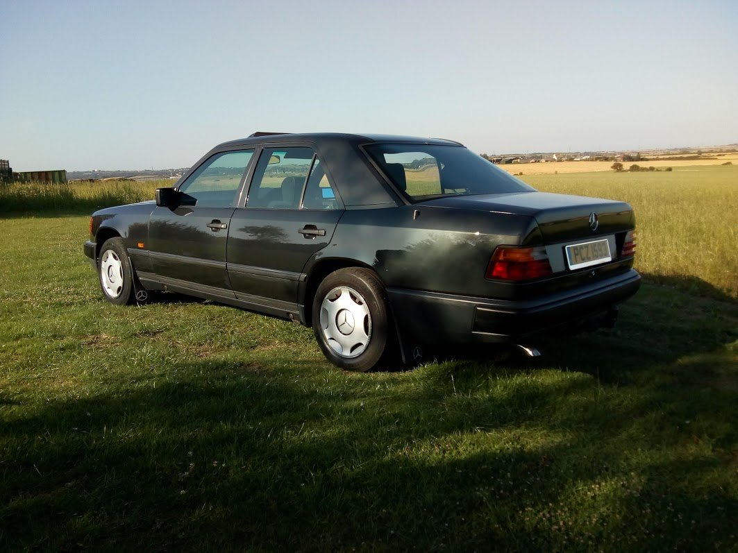 1988 Mercedes W124 230 automatic  For Sale (picture 3 of 6)