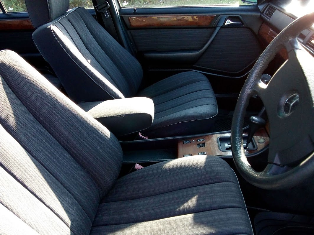1988 Mercedes W124 230 automatic  For Sale (picture 4 of 6)