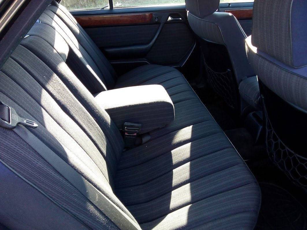 1988 Mercedes W124 230 automatic  For Sale (picture 5 of 6)