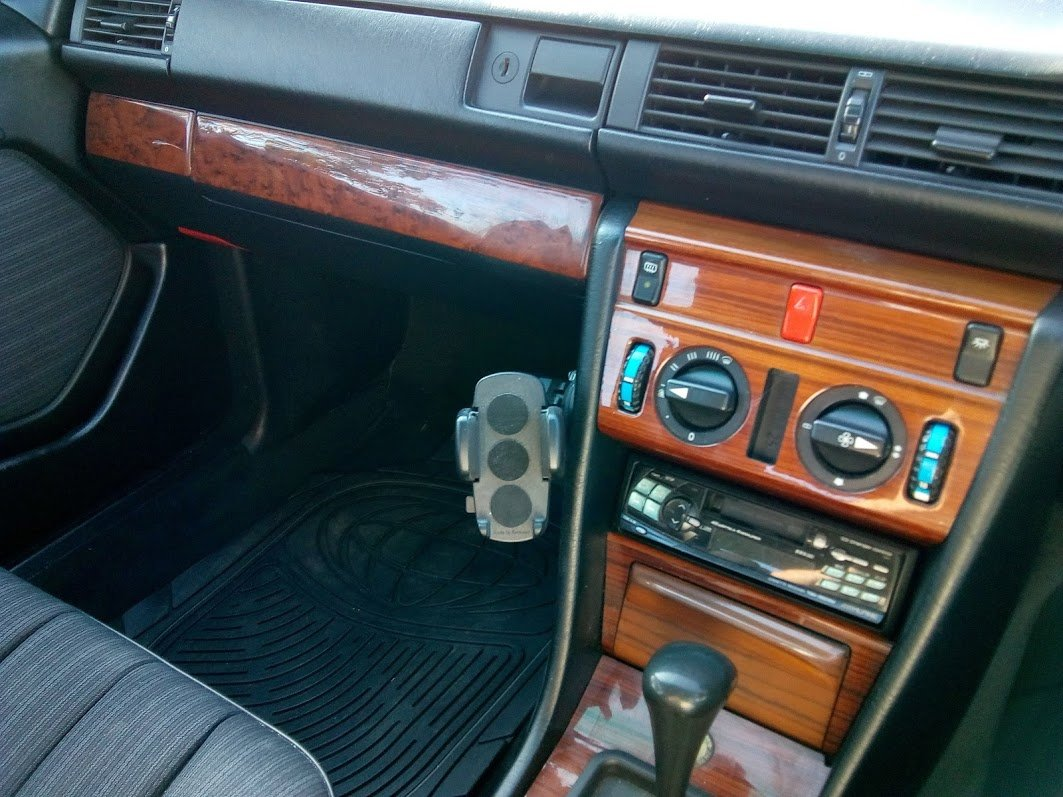 1988 Mercedes W124 230 automatic  For Sale (picture 6 of 6)