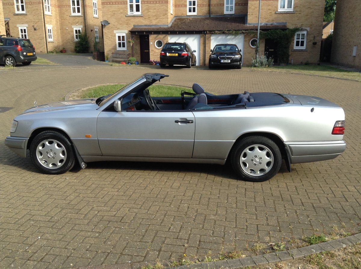 1993 E320 Cabriolet - Price Reduced For Sale (picture 3 of 5)