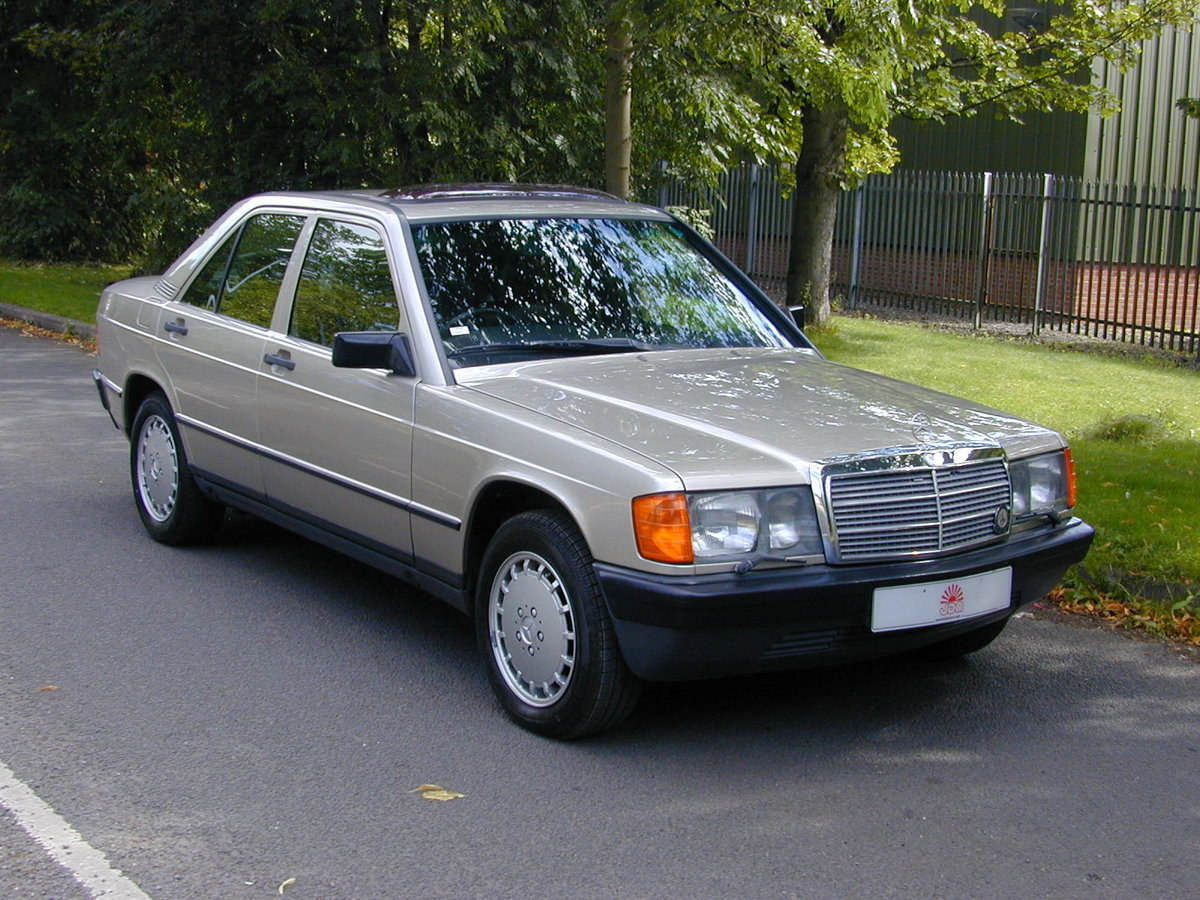 MERCEDES BENZ 190 2.0e 100 yrs - 1886-1986 CENTENARY EDITION For Sale (picture 1 of 6)