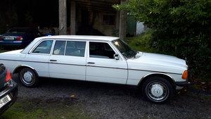 1982 Mercedes W123 240D Limousine