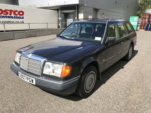 1990 Classic Mercedes S124 230TE M102Auto 7 Seat Estate For Sale