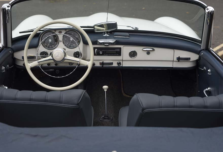 1962 Mercedes 190 SL Roadster (LHD) for sale in London For Sale (picture 10 of 20)