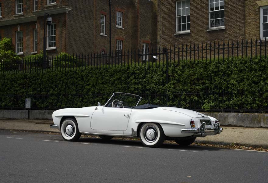 1962 Mercedes 190 SL Roadster (LHD) for sale in London For Sale (picture 19 of 20)