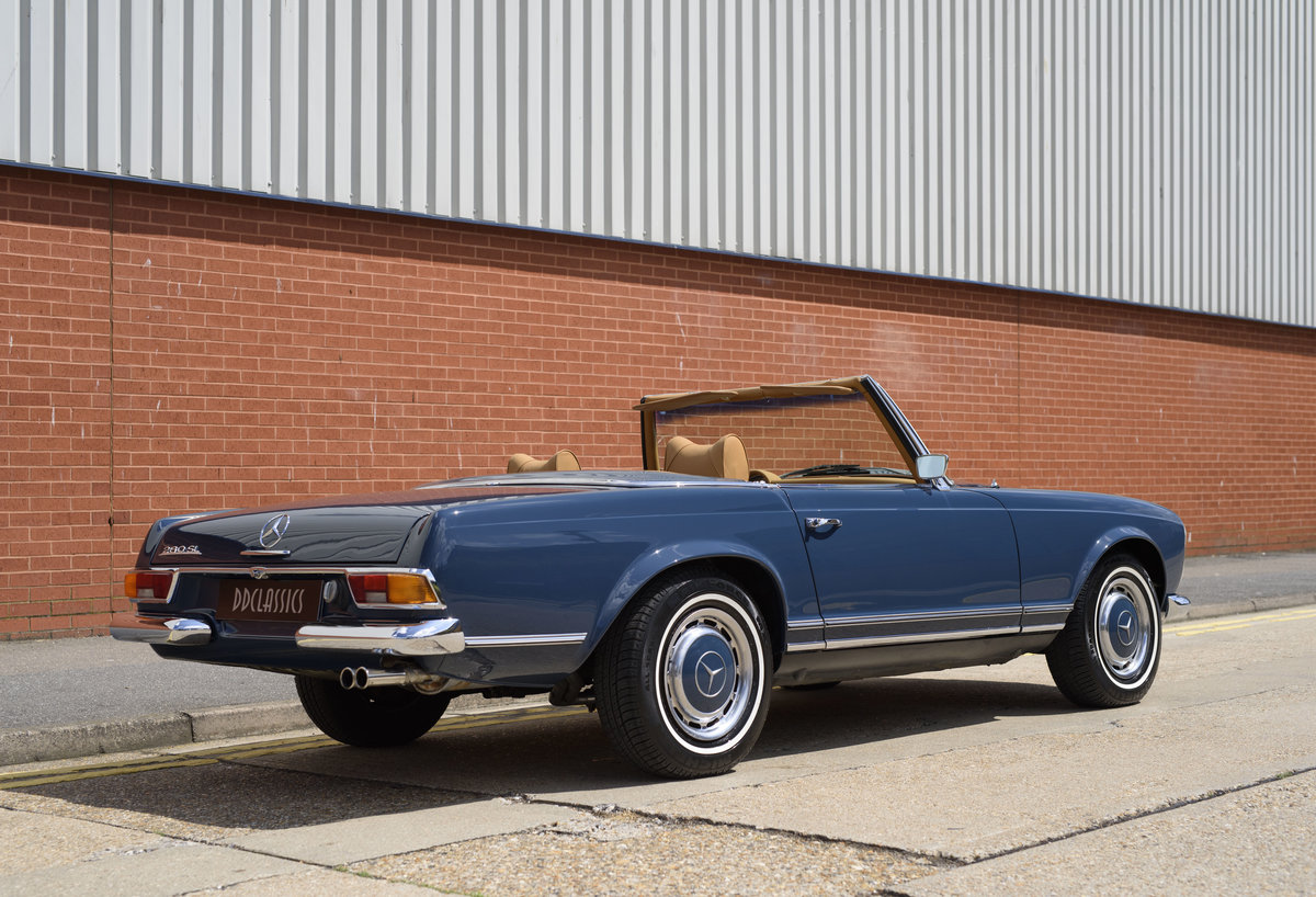 1969 Mercedes-Benz 280SL Pagoda For Sale In London (LHD) For Sale (picture 3 of 24)