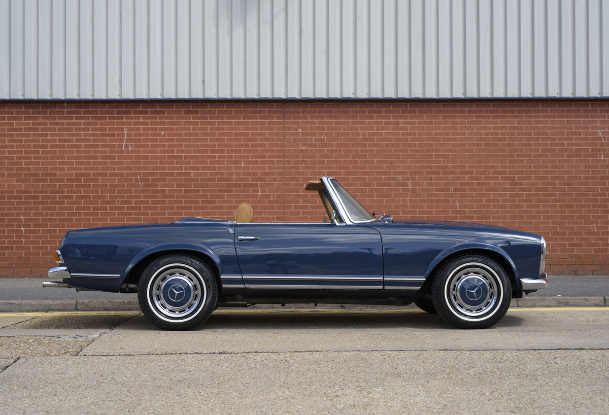 1969 Mercedes-Benz 280SL Pagoda For Sale In London (LHD) For Sale (picture 5 of 24)