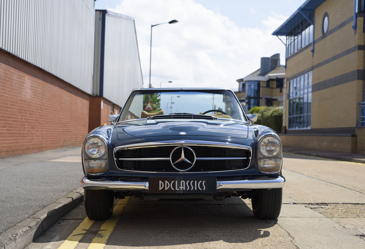 1969 Mercedes-Benz 280SL Pagoda For Sale In London (LHD) For Sale (picture 7 of 24)