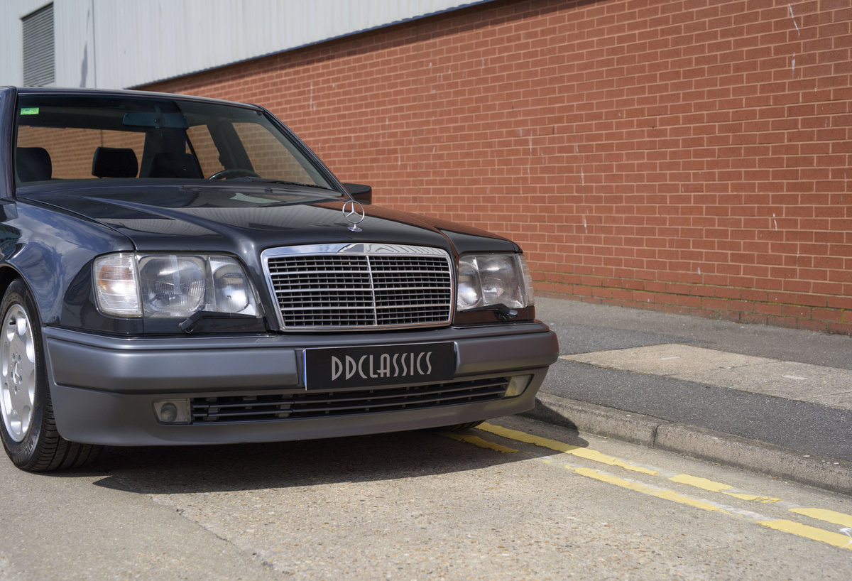 1992 Mercedes-Benz 500E For Sale In London (LHD) For Sale (picture 10 of 19)