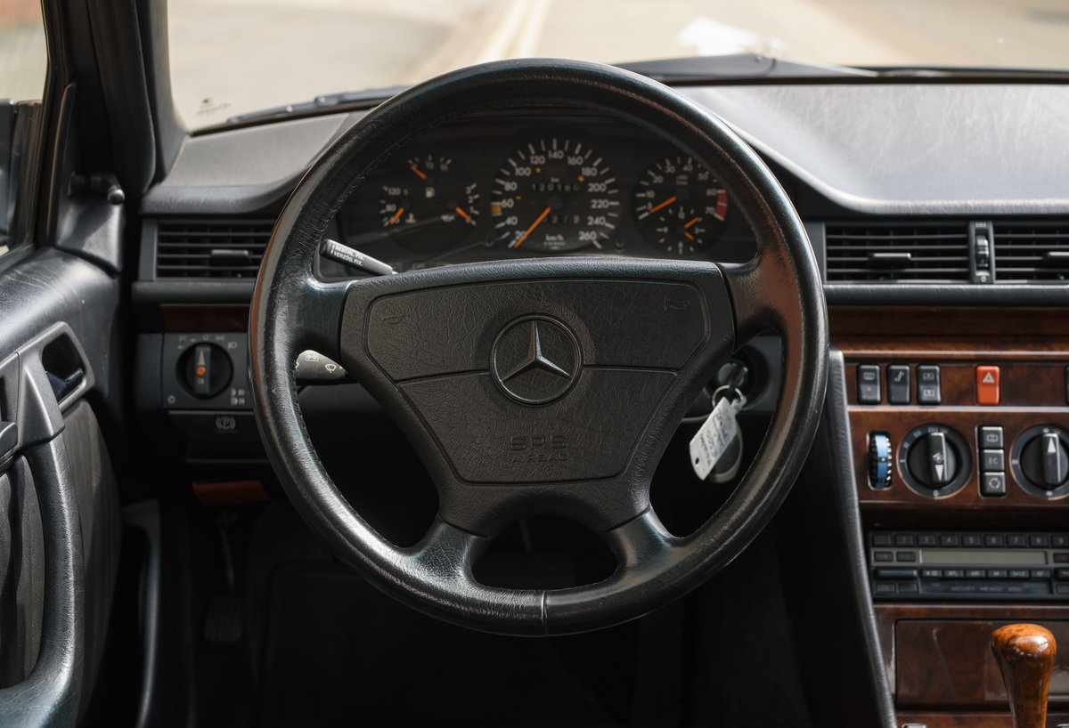1992 Mercedes-Benz 500E For Sale In London (LHD) For Sale (picture 11 of 19)