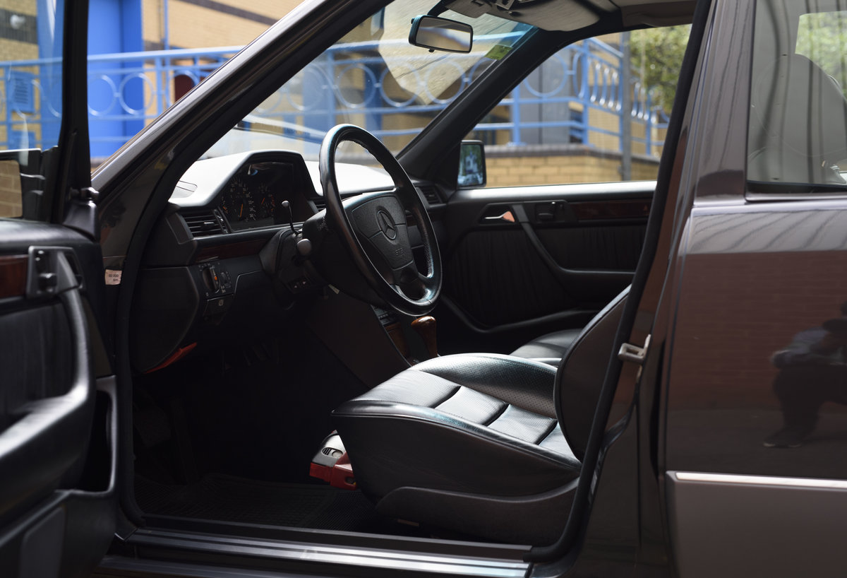 1992 Mercedes-Benz 500E For Sale In London (LHD) For Sale (picture 17 of 19)