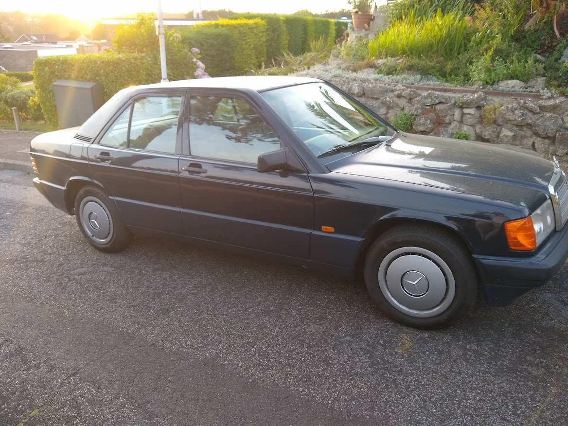 1991 Mercedes 190E 1.8 manual, two owners, MOT December For Sale (picture 2 of 6)