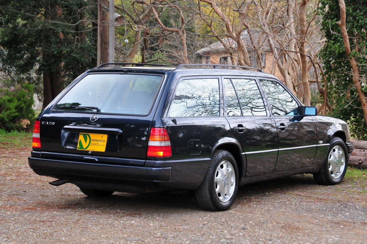 1995 E320 24V LIMITED Luxury Wagon. 7 Seats. Zero Rust Since New. For Sale (picture 2 of 6)