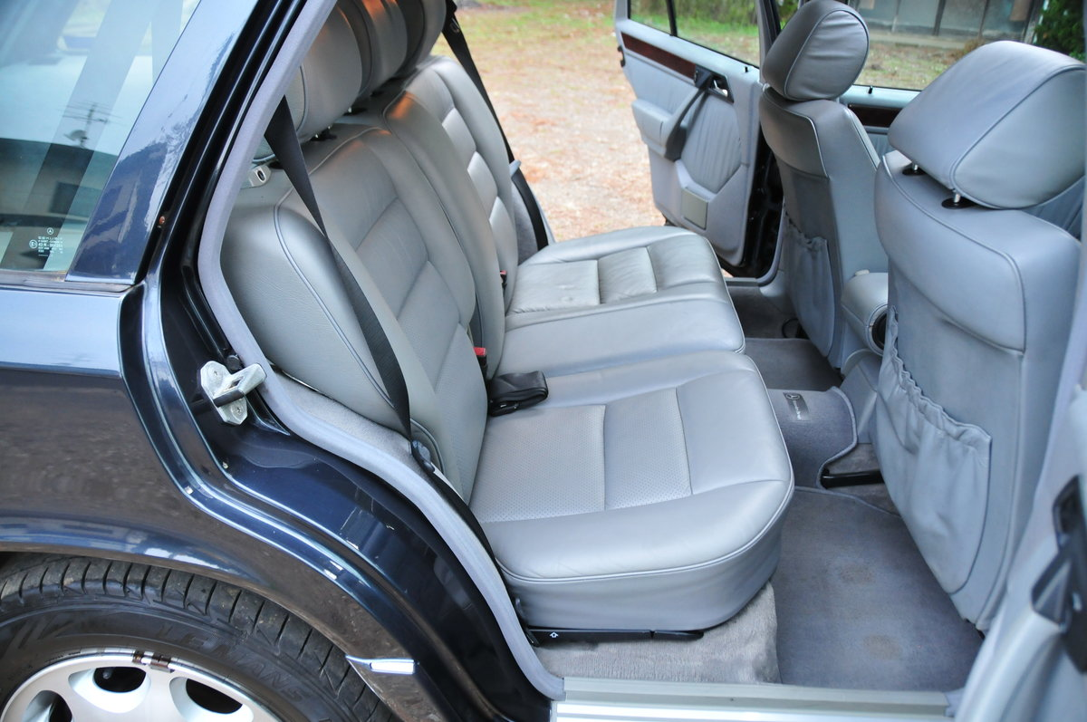 1995 E320 24V LIMITED Luxury Wagon. 7 Seats. Zero Rust Since New. For Sale (picture 5 of 6)