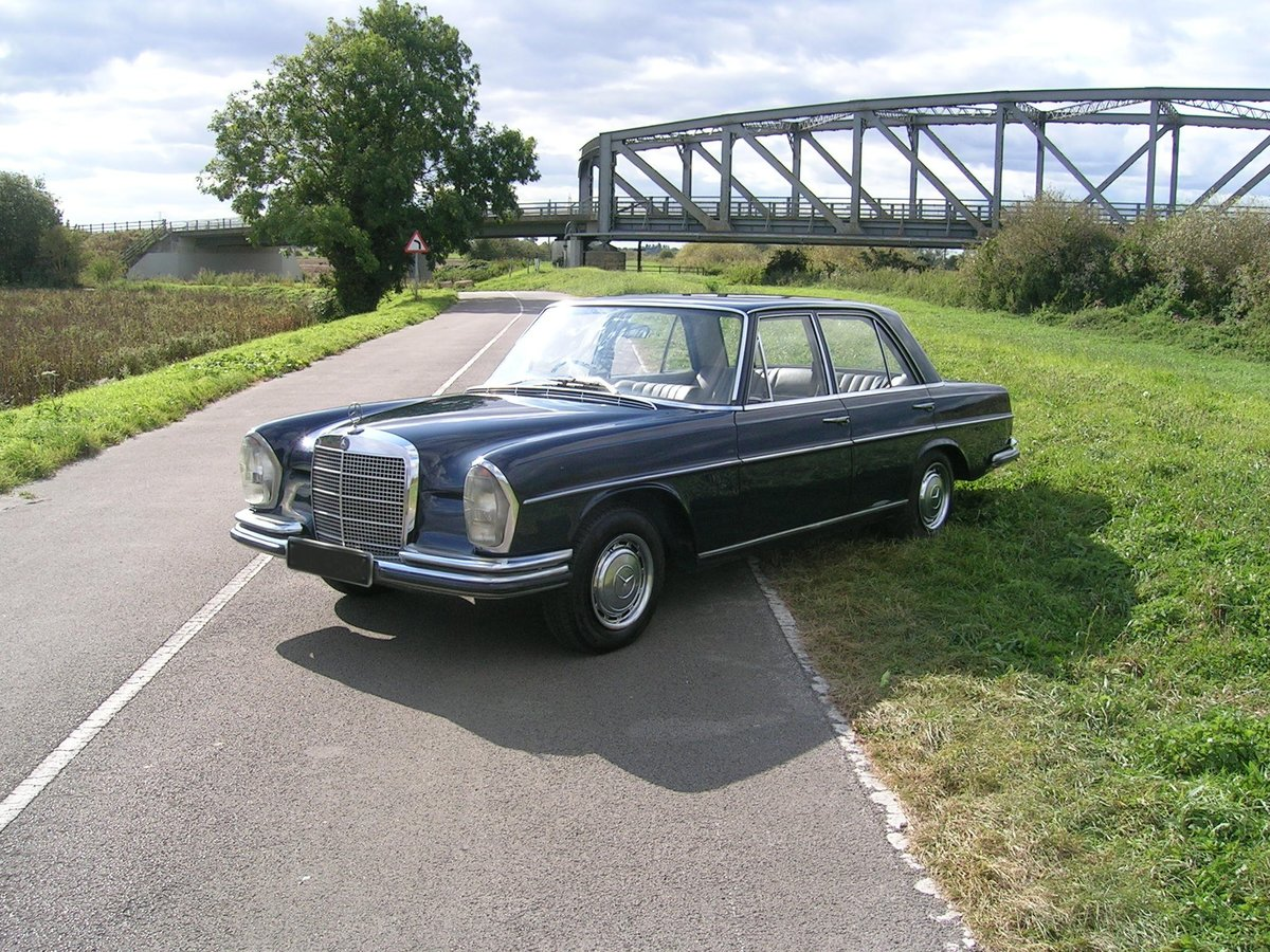 1972 Mercedes 280 SE Historic Vehicle For Sale (picture 2 of 6)
