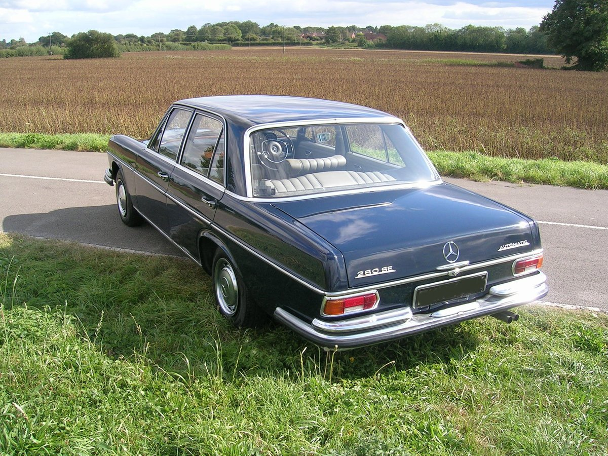 1972 Mercedes 280 SE Historic Vehicle For Sale (picture 4 of 6)