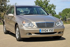 2004 Mercedes Benz C180 Classic (One Lady Owner)