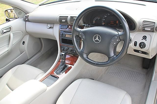 2004 Mercedes Benz C180 Classic (One Lady Owner) For Sale (picture 3 of 6)