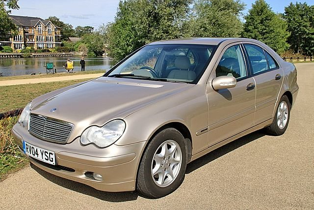 2004 Mercedes Benz C180 Classic (One Lady Owner) For Sale (picture 5 of 6)