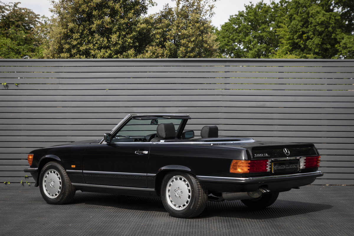 1988 Mercedes 500SL R107 ONLY 4700 MILES For Sale (picture 2 of 6)