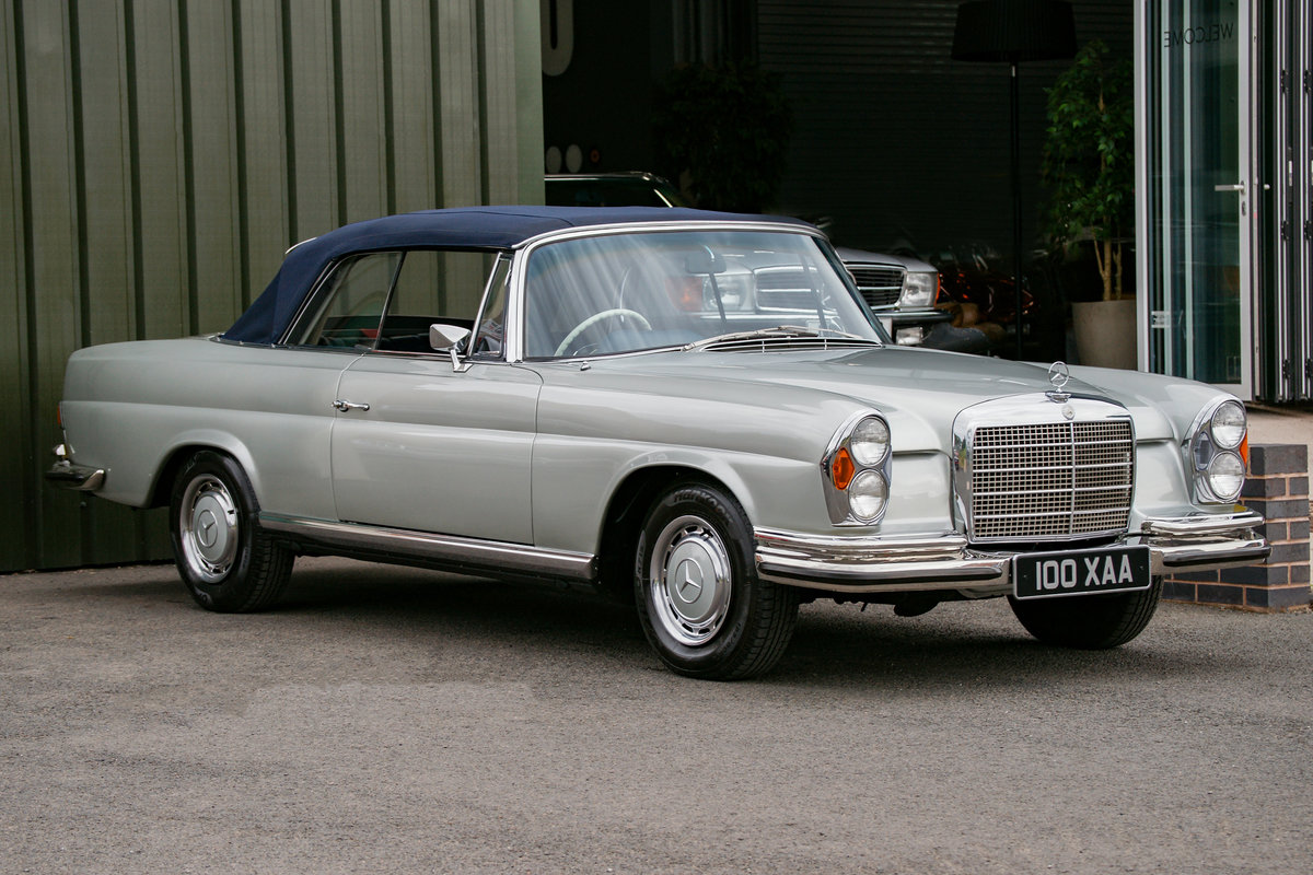 1971 Mercedes-Benz 280SE 3.5 Cabriolet (W111) #2157 1 of 68 made For Sale (picture 2 of 6)