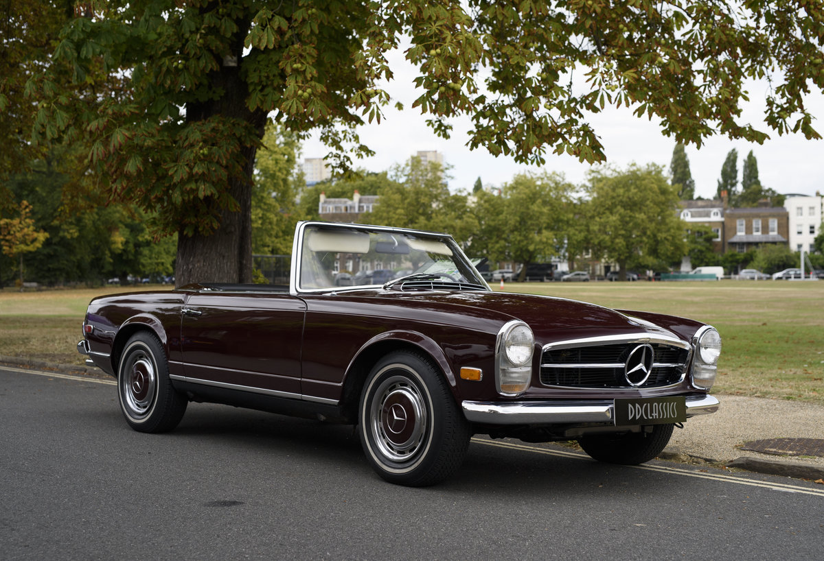 1969 Mercedes-Benz 280SL Pagoda (LHD) For Sale In London For Sale (picture 2 of 24)