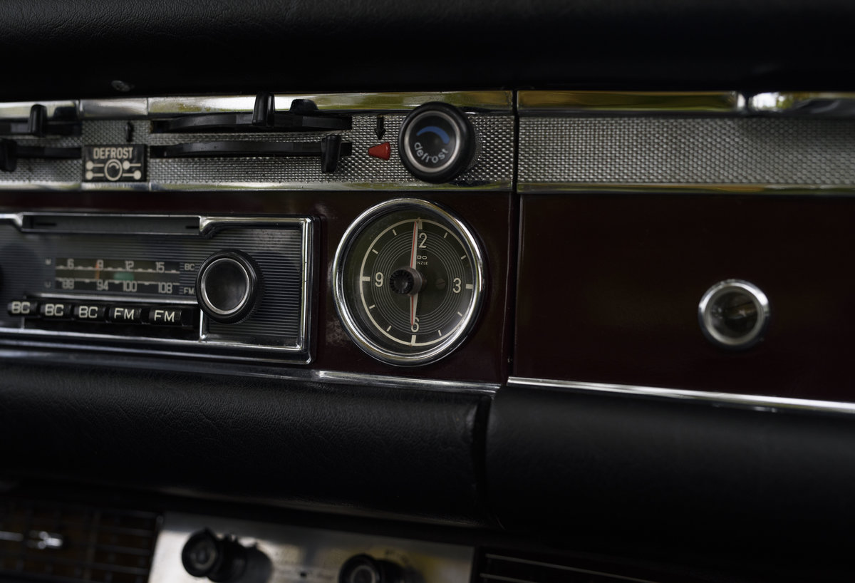 1969 Mercedes-Benz 280SL Pagoda (LHD) For Sale In London For Sale (picture 14 of 24)