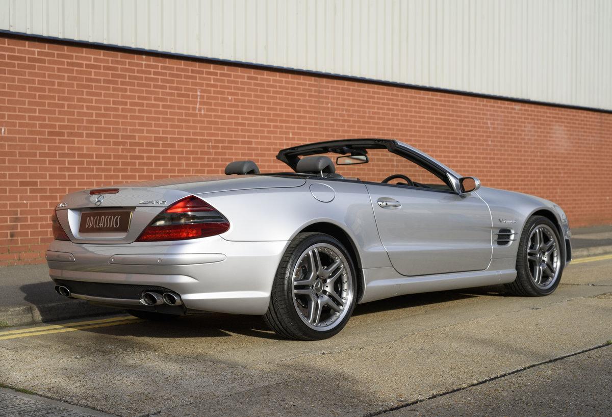 2005 Mercedes-Benz SL65 AMG V12 Bi Turbo F1 Pace Car (RHD) For Sale (picture 3 of 24)