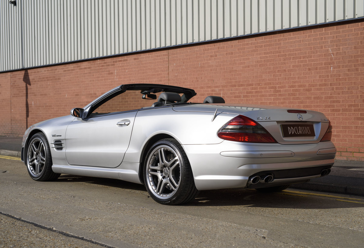 2005 Mercedes-Benz SL65 AMG V12 Bi Turbo F1 Pace Car (RHD) For Sale (picture 4 of 24)