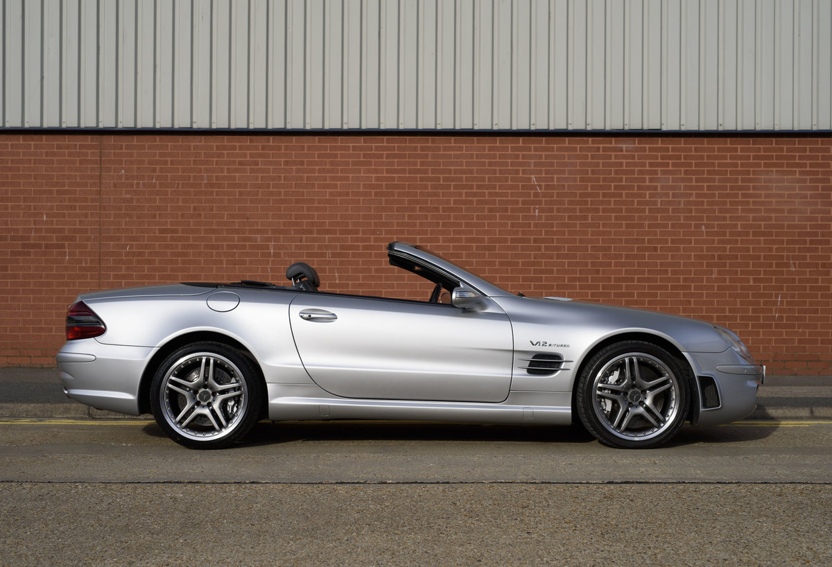 2005 Mercedes-Benz SL65 AMG V12 Bi Turbo F1 Pace Car (RHD) For Sale (picture 5 of 24)