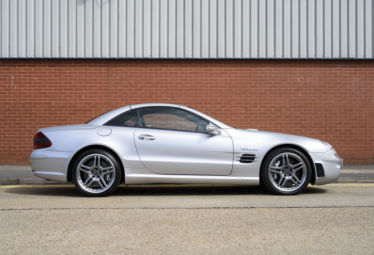 2005 Mercedes-Benz SL65 AMG V12 Bi Turbo F1 Pace Car (RHD) For Sale (picture 10 of 24)